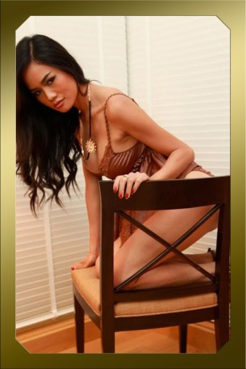 exclusive-bangkok-escorts-tik-05