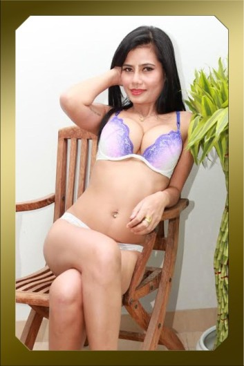 exclusive escorts model escort